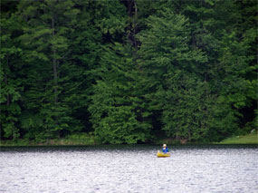 A friendly kayaker enjoying Hemlock Lake Park!